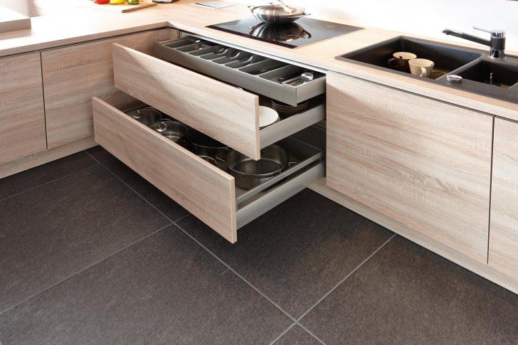 Medium Size of Breite Auszugschrnke Unter Dem Kochfeld Kche Kc Küchen Regal Wohnzimmer Küchen Quelle