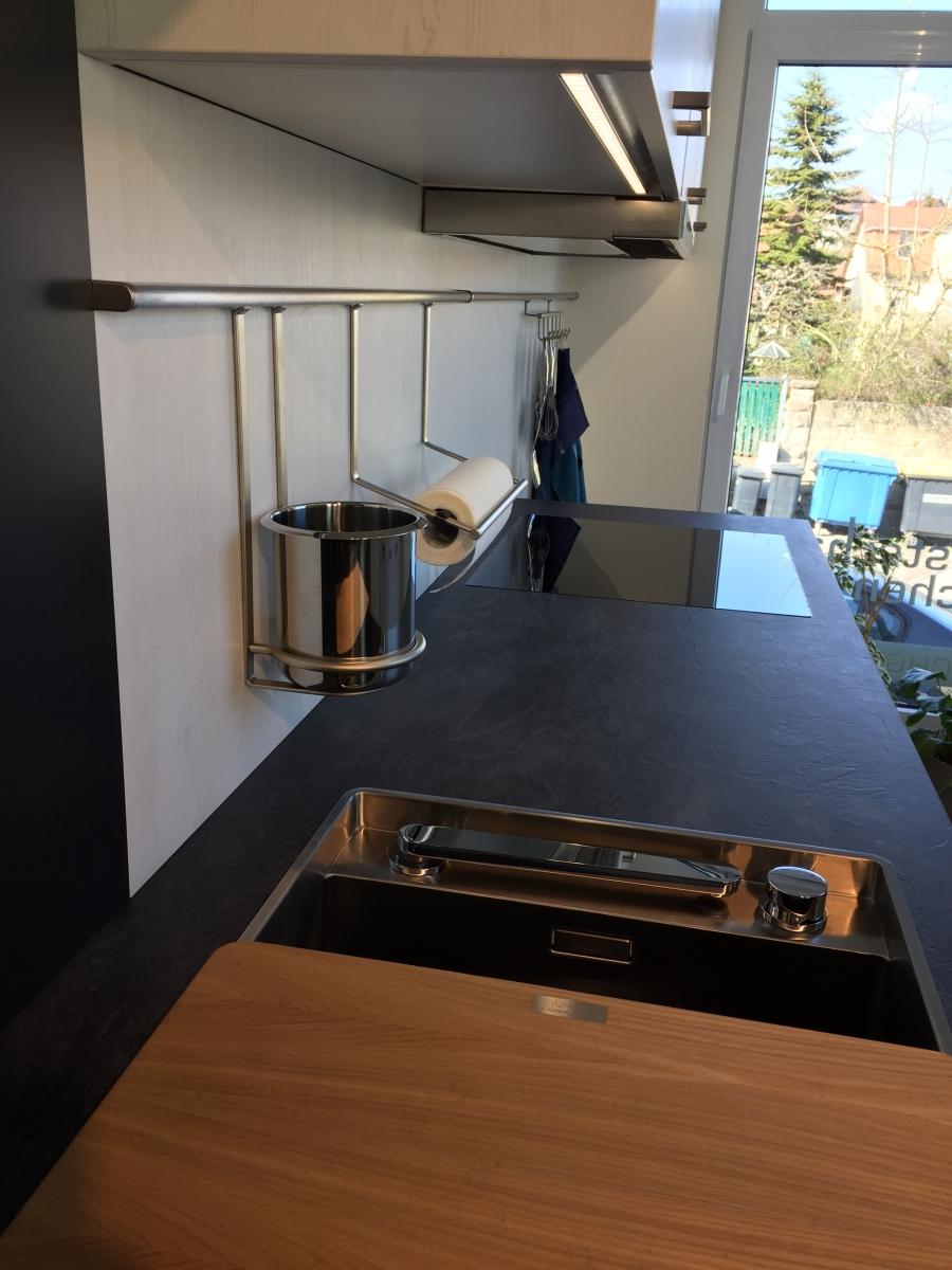 Full Size of Küche Zweifarbig Moderne Kche Einbauküche Kaufen Mit E Geräten Ohne Oberschränke Günstig Doppelblock Aufbewahrungssystem Auf Raten Kühlschrank Wohnzimmer Küche Zweifarbig