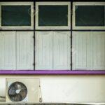 Fenster Klimaanlage Geschlossene Auf Alten Beige Betonmauer Und Violetten Velux Preise Sonnenschutzfolie Sonnenschutz Fototapete Sicherheitsfolie Wohnzimmer Fenster Klimaanlage
