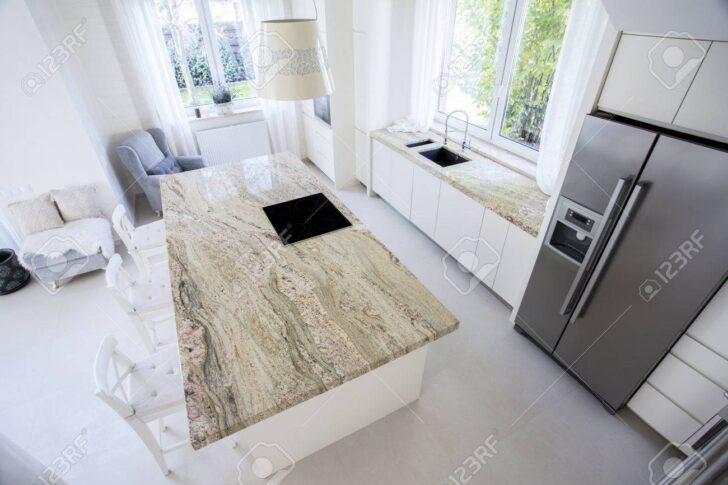 Medium Size of Big Granitarbeitsplatte In Helle Kche Küche Mit Arbeitsplatte Granitplatten Arbeitsplatten Wohnzimmer Granit Arbeitsplatte