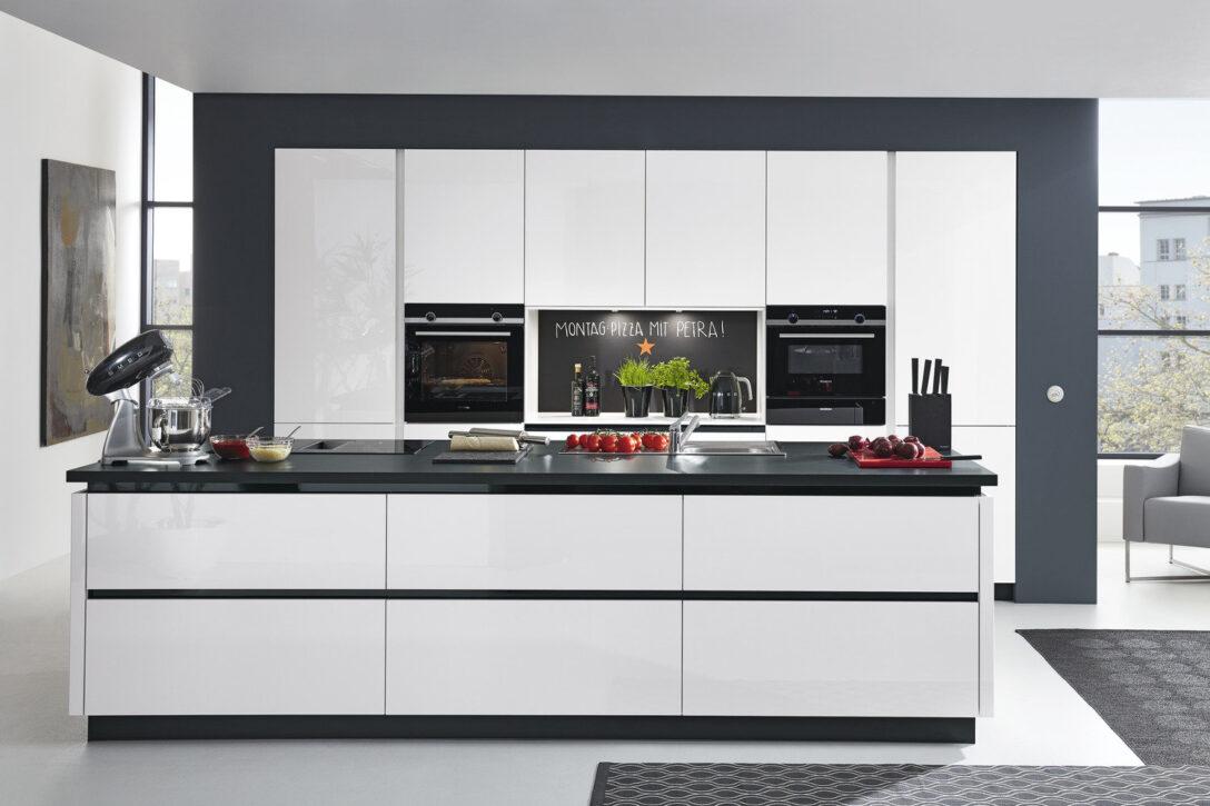 Large Size of Küche Weiß Grau Kche Hochglanz Ikea Wei Arbeitsplatte Gebraucht Ringhult Big Sofa Led Beleuchtung Weißes Regal Wanddeko Freistehende Griffe Auf Raten Stoff Wohnzimmer Küche Weiß Grau