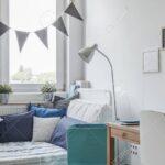 Innenansicht Weien Und Blauen Teenager Zimmer Lizenzfreie Planer Sessel Schlafzimmer Wohnzimmer Hängeleuchte Esszimmer Sofa Liege Gardinen Für Klimagerät Wohnzimmer Zimmer Teenager