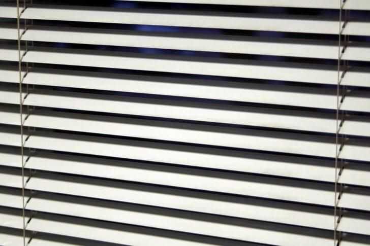 Medium Size of Jalousie Test Empfehlungen 05 20 Gartenbook Fenster Günstig Kaufen Austauschen Fliegennetz Winkhaus Insektenschutzrollo Einbruchsicherung Neue Einbauen Wohnzimmer Sonnenschutz Fenster Außen Klemmen