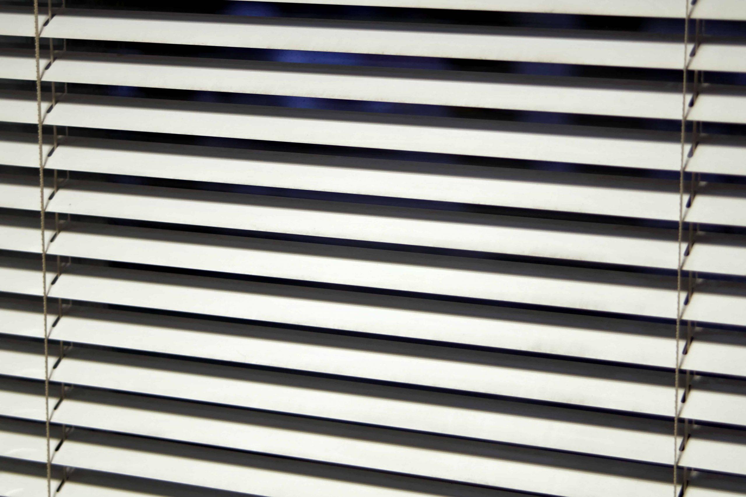 Full Size of Jalousie Test Empfehlungen 05 20 Gartenbook Fenster Günstig Kaufen Austauschen Fliegennetz Winkhaus Insektenschutzrollo Einbruchsicherung Neue Einbauen Wohnzimmer Sonnenschutz Fenster Außen Klemmen