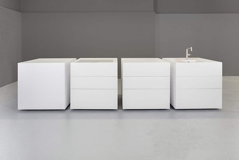 Full Size of Exklusive Modulkche Mit Steinfronten In Wei Wohnzimmer Modulküchen
