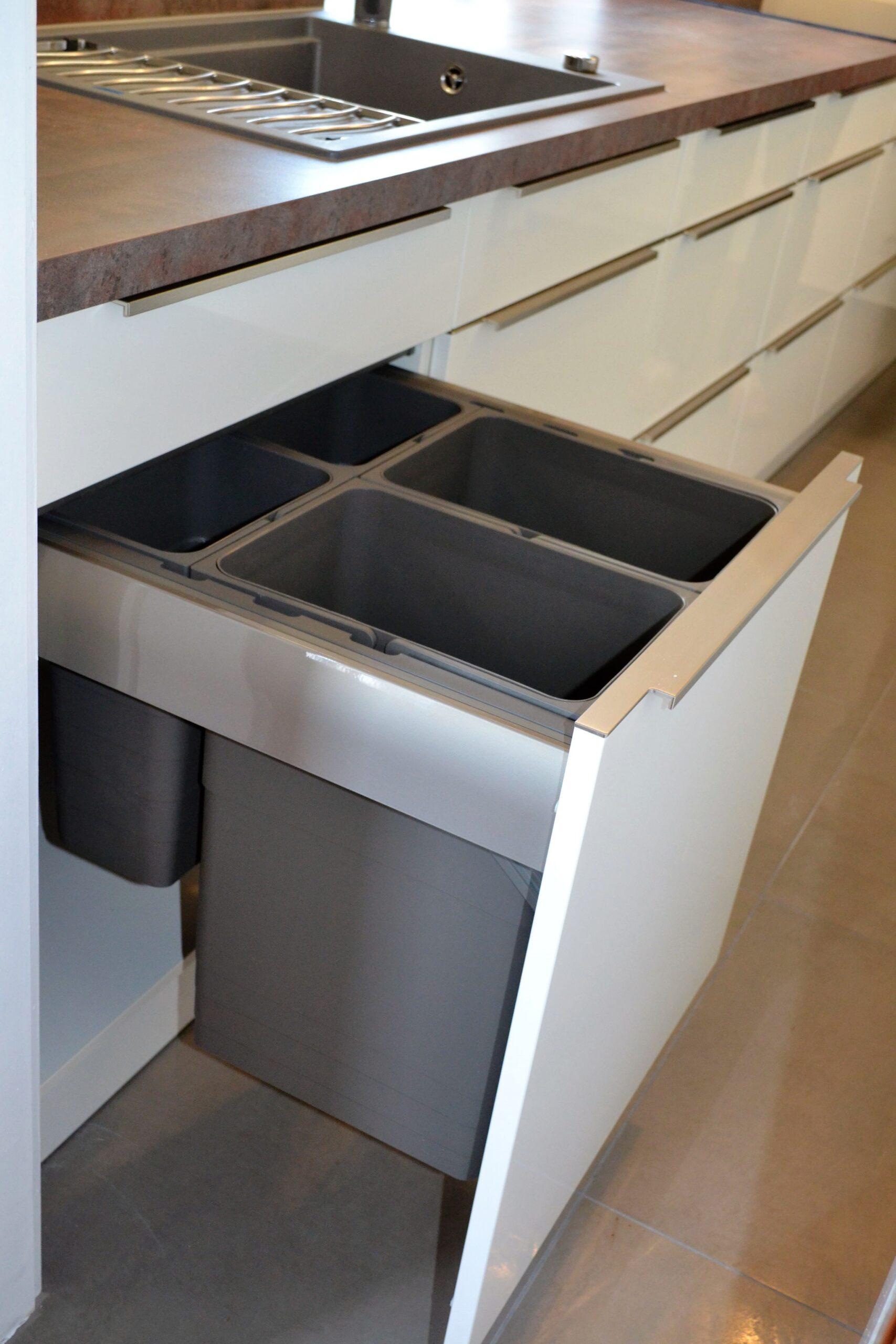 Full Size of Müllsystem Vorher Nachher Stauraumwunder In Schwabach Diese Kche Hat Es Küche Wohnzimmer Müllsystem
