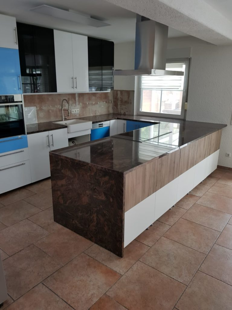 Full Size of Arbeitsplatten Küche Sideboard Mit Arbeitsplatte Granitplatten Wohnzimmer Granit Arbeitsplatte