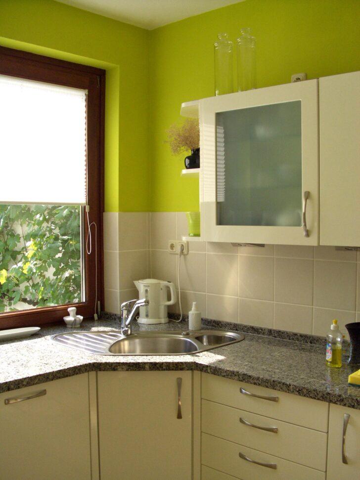 Medium Size of Farbe In Der Kche So Wirds Wohnlich Einbauküche Mit Elektrogeräten Hochschrank Küche Gebraucht Pendelleuchten Bank Salamander Fliesenspiegel Glas Gebrauchte Wohnzimmer Weiße Küche Wandfarbe