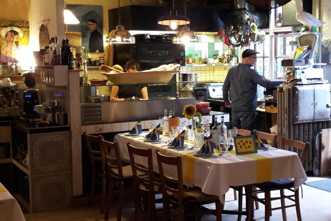 Hr Leckere Landküche Rezepte Historisches Landkche Cafe Schwaan Deftige Kleiderschrank Regal Eckunterschrank Küche Fenster Anthrazit Dachschräge Wanduhr