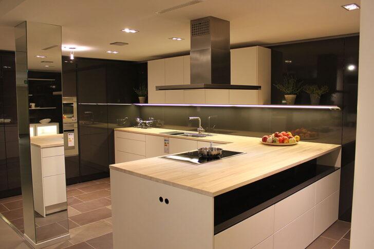 Medium Size of Bad Abverkauf Küchen Regal Inselküche Wohnzimmer Bulthaup Küchen Abverkauf österreich