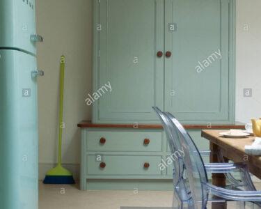 Küche Türkis Landhaus Wohnzimmer Küche Türkis Landhaus Philippe Starck Ghost Sthle Am Tisch Im Kche Mit Billige Bank Wasserhähne Fliesenspiegel Glas Landhausstil Wohnzimmer