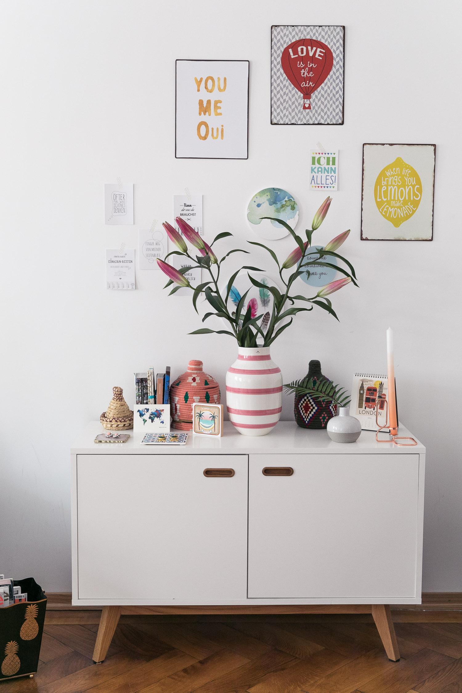 Full Size of Deko Sideboard Dekoration Styling Blumen Vase Josie Loves Wanddeko Küche Wohnzimmer Badezimmer Mit Arbeitsplatte Schlafzimmer Für Wohnzimmer Deko Sideboard