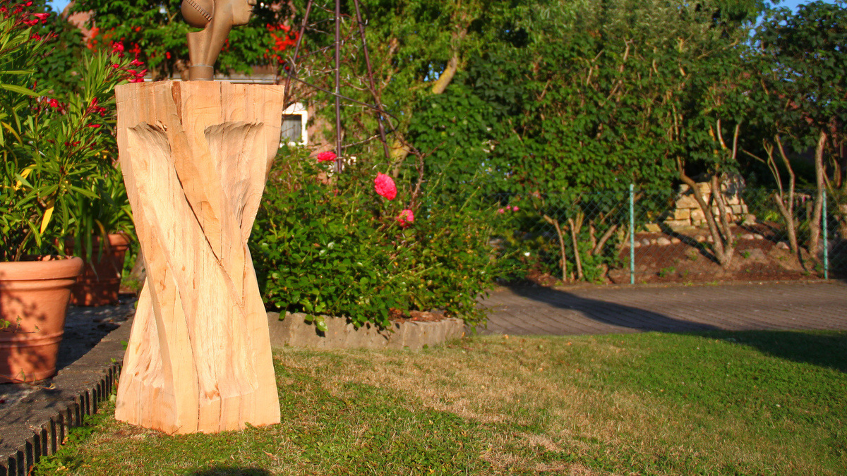 Full Size of Gartenskulpturen Aus Holz Kaufen Und Glas Selber Machen Skulpturen Gartenskulptur Stein Massivholz Regal Naturholz Esstisch Rustikal Unterschrank Bad Wohnzimmer Gartenskulpturen Holz