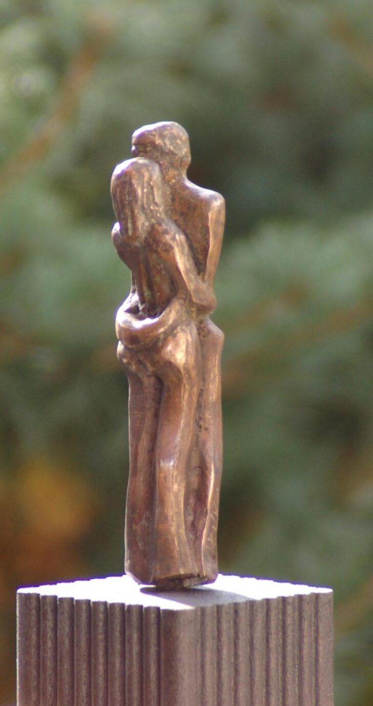 Medium Size of Gartenfiguren Aus Steinguss Statuen Gartenskulptur Gartenskulpturen Stein Edelstahl Antik Modern Moderne Buddha Kaufen Eine Jahrelange Tradition Bad Wohnzimmer Gartenskulpturen Stein