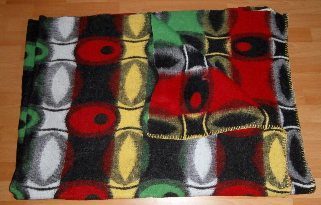 Large Size of Schöne Decken Das Wolldecken Museum The Blankets 2 Schne Wohnzimmer Deckenleuchte Deckenstrahler Bad Deckenlampen Modern Für Deckenleuchten Küche Wohnzimmer Schöne Decken