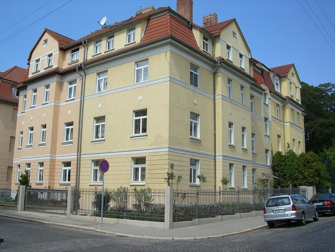 Full Size of 2 Zimmer Wohnung Zu Vermieten Bauhaus Fenster Wohnzimmer Eichenbalken Bauhaus