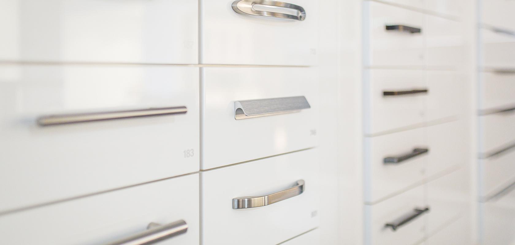 Full Size of Küchenschrank Griffe Alle Im Berblick Nobilia Kchen Möbelgriffe Küche Wohnzimmer Küchenschrank Griffe