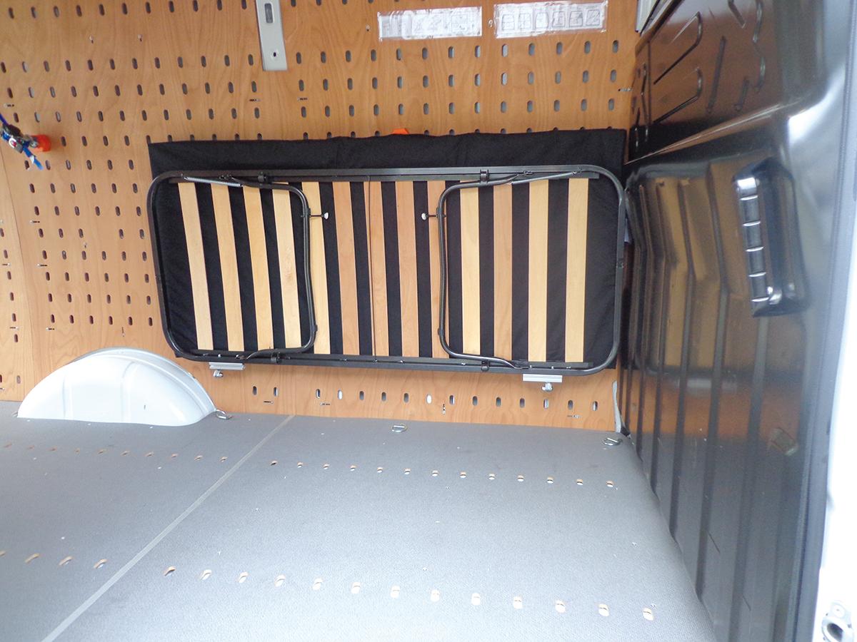 Full Size of Bett Aus Der Wand Klappbar An Wandbefestigung Die Kopfteil Für Massiv 180x200 Liegehöhe 60 Cm Wandsticker Küche Flexa Ausgefallene Betten Bette Badewanne Wohnzimmer Bett Klappbar Wand