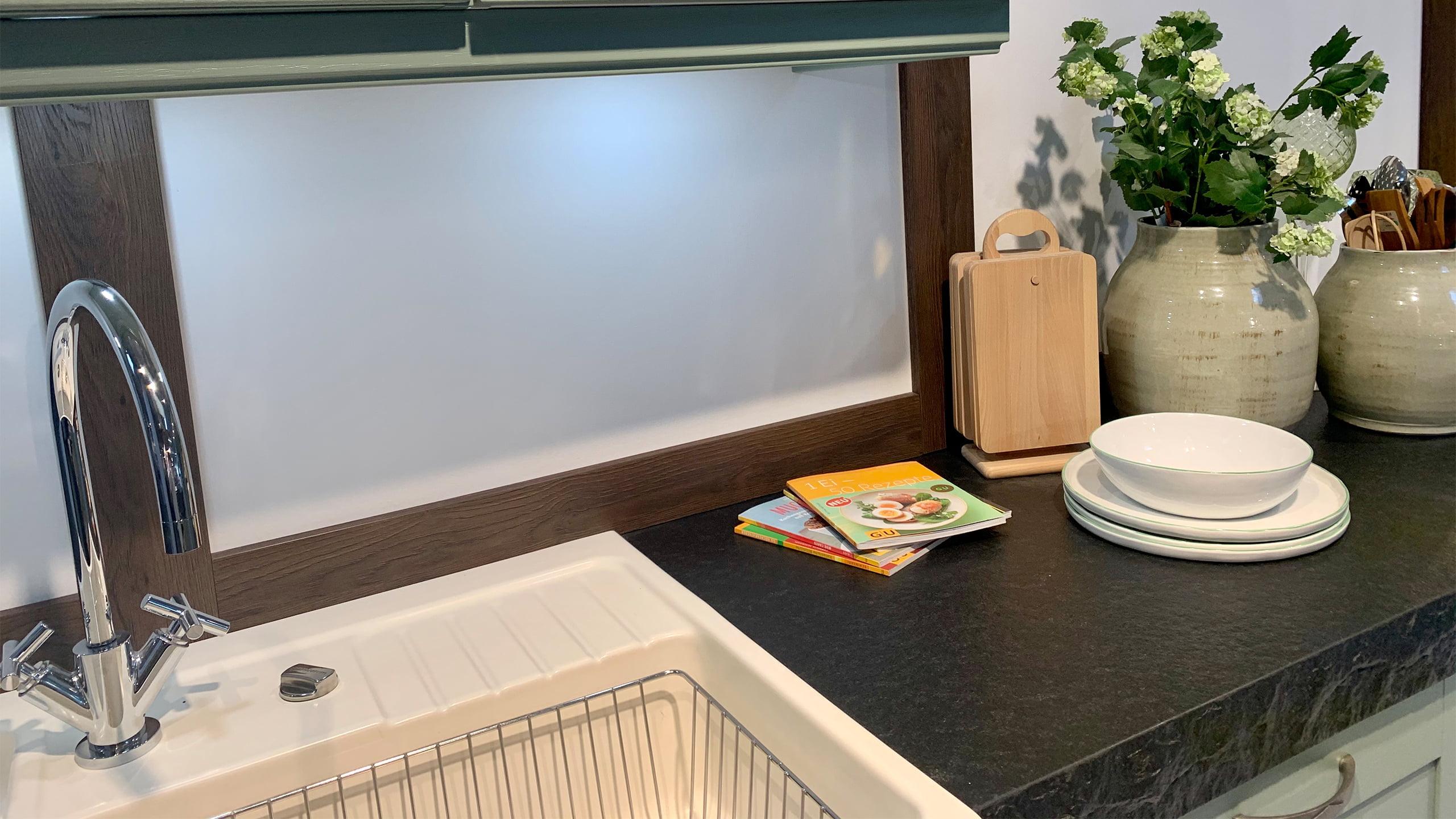 Full Size of Kochinsel Carolin In Salbeigrn 159 Kchen Staude Amerikanische Küche Kaufen Selber Planen Schneidemaschine Weiße Einbauküche Gebraucht Mit Tresen Blende Wohnzimmer Küche Salbeigrün
