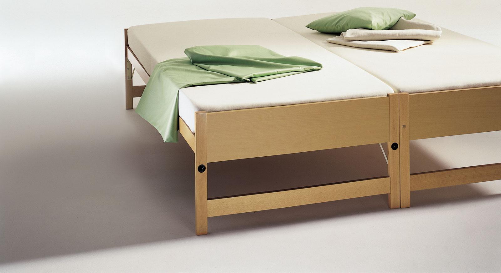 Full Size of Bett Ausklappbar Zum Doppelbett Ausklappbares Schrank Sofa Mit Wohnzimmer Klappbares Doppelbett