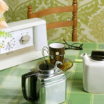 Heie Uhr Tasse Kche Sechziger Lcheln Stockfotos Einbauküche Günstig Hängeschrank Küche Glastüren Pantryküche Mit Kühlschrank Hängeschränke Ohne Wohnzimmer Tapete Küche Kaffee