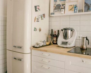 Pinnwand Modern Küche Wohnzimmer Pinnwand Modern Küche Dieser Tolle Groe Smeg Khlschrank Steht In Einer Super Sen Unterschrank Wasserhahn Gardinen Für Nolte Deckenlampe Singleküche