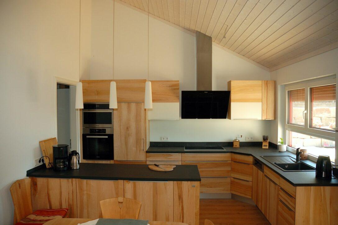 Large Size of Massivholzkche In Der Dachschrge Ikea Miniküche Komplettküche Arbeitsplatten Küche Arbeitsplatte Kaufen Mit Elektrogeräten Gebrauchte Wohnzimmer Dachschräge Küche