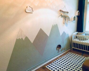 Wandgestaltung Kinderzimmer Jungen Wohnzimmer Wandgestaltung Kinderzimmer Jungen Babyzimmer Bilder Ideen Couch Regale Regal Weiß Sofa