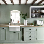 Landhausküche Grün Regal Weisse Gebraucht Grau Grünes Sofa Weiß Moderne Küche Mintgrün Wohnzimmer Landhausküche Grün