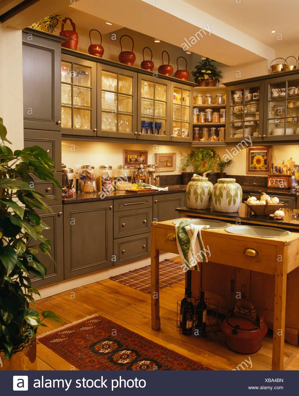 Full Size of Landhausküche Grün Moderne Regal Sofa Weiß Grau Grünes Gebraucht Küche Mintgrün Weisse Wohnzimmer Landhausküche Grün