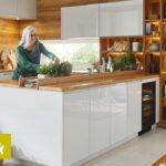 Kchenzeile Kleines Sofa Kleiner Tisch Küche Wohnzimmer Kleine Einrichten Regal Weiß Bad Renovieren Regale Esstisch Planen Einbauküche Badezimmer Neu Wohnzimmer Kleine Inselküche