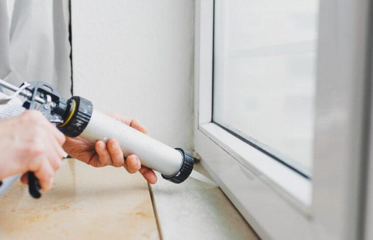 Medium Size of Fenster Abdichten Am Fensterrahmen Undicht Erneuern Kosten Bad Wohnzimmer Fensterfugen Erneuern