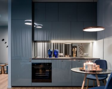 Küche Blau Wohnzimmer Küche Blau Blaue Kchen Kchendesignmagazin Lassen Sie Sich Inspirieren Raffrollo Deckenleuchten Abluftventilator Miniküche Mit Kühlschrank Holzregal Outdoor