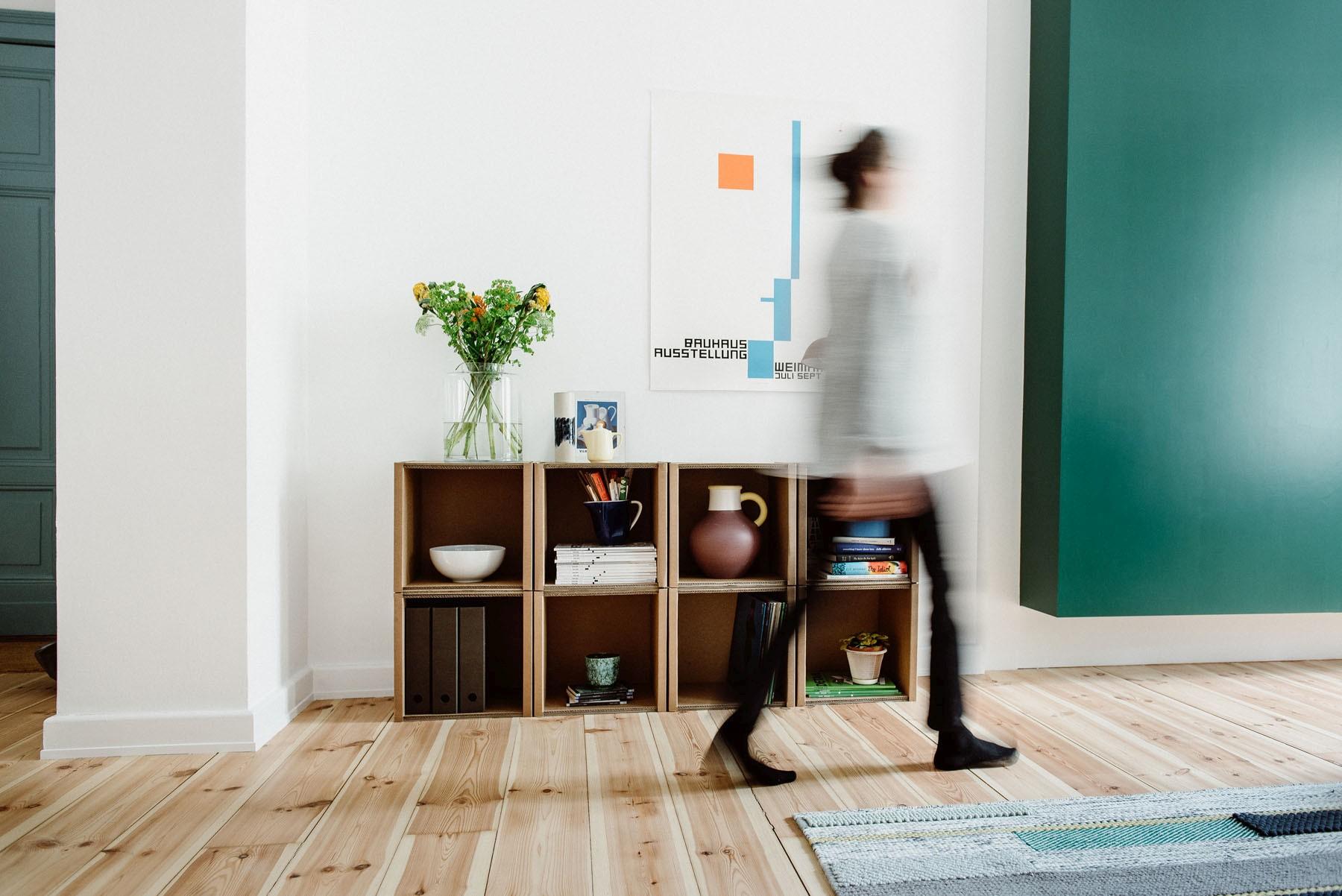 Full Size of Pappbett Ikea Room In A Bomodulare Regale Aus Wellpappe Betten Bei Sofa Mit Schlaffunktion Modulküche Miniküche Küche Kosten 160x200 Kaufen Wohnzimmer Pappbett Ikea