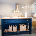 Ablage Küche Wohnzimmer Sisal Lagerung Krbe Auf Unteren Ablage Blaue Insel Gert In Teppich Für Küche Mini Hängeschrank Höhe Billige Selber Planen Wasserhahn Wandanschluss