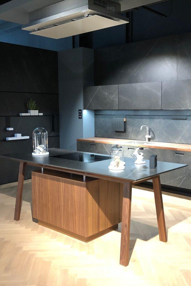 Medium Size of Freistehende Küchen Kcheninsel Mal Anders Der Kochtisch Beherbergt Das Regal Küche Wohnzimmer Freistehende Küchen
