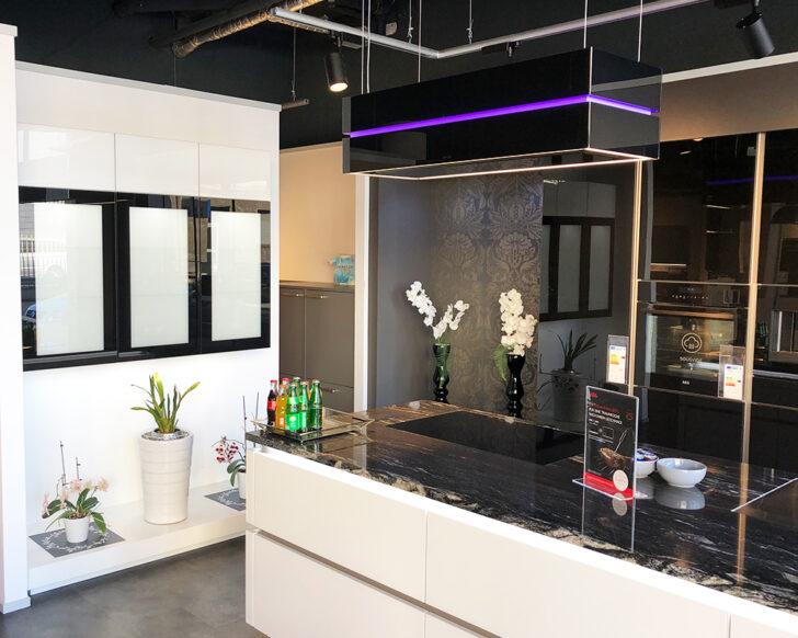 Medium Size of Nolte Küchen Glasfront Musterkche Kchenzentrum Mg Regal Schlafzimmer Küche Betten Wohnzimmer Nolte Küchen Glasfront