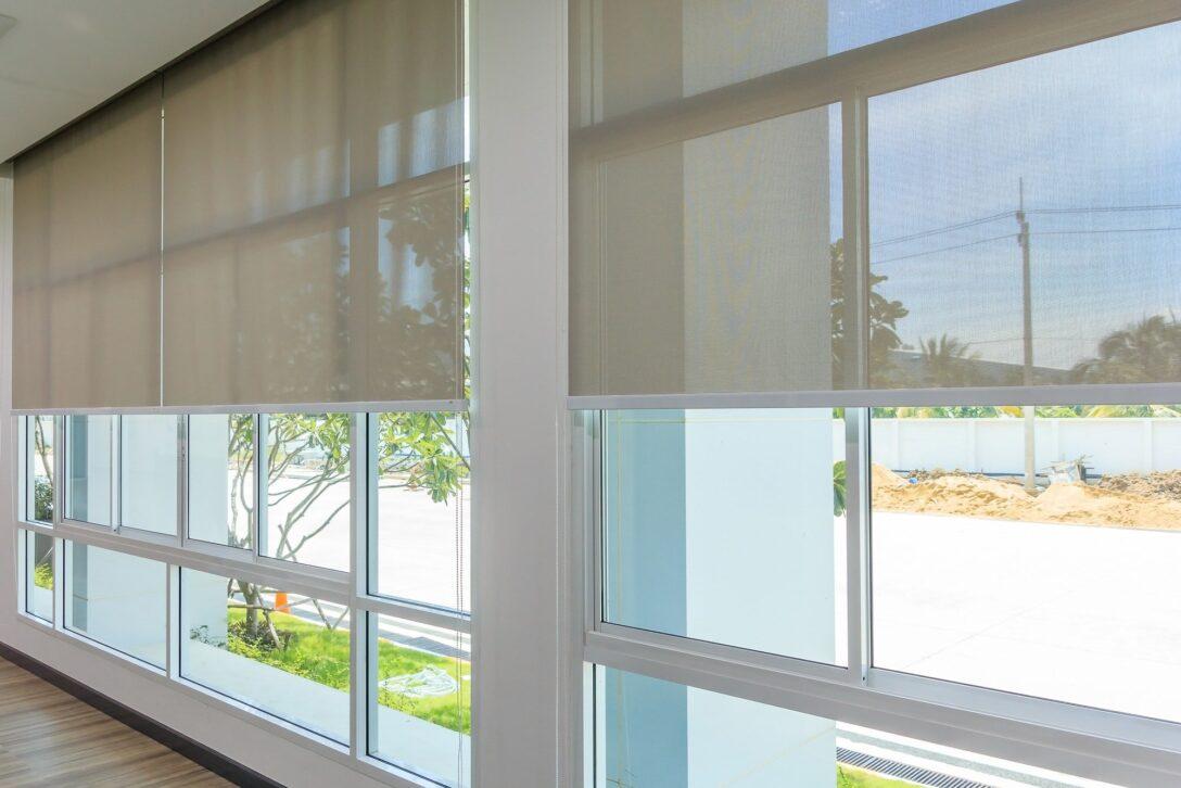 Large Size of Raffrollo Küchenfenster Mit Gardinen Rollos Den Wohnraum Verschnern Heimhelden Küche Wohnzimmer Raffrollo Küchenfenster