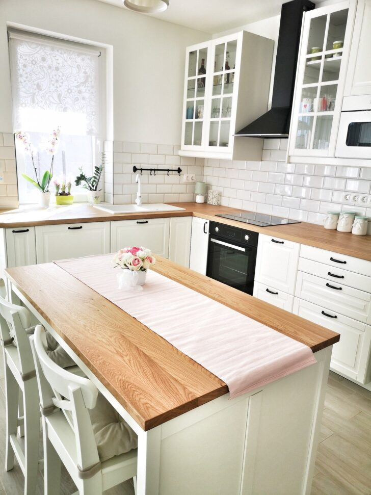 Medium Size of Spring Is Coming Ikea Bodbyn Kitchen White Miniküche Vorhänge Küche Sofa Mit Schlaffunktion L Kleine Einrichten Wasserhahn Sitzecke Bett 180x200 Bettkasten Wohnzimmer Ikea Küche Mit Insel