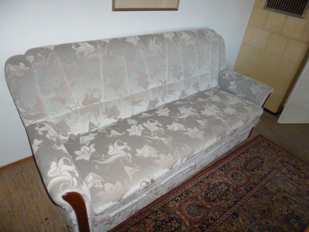 Full Size of Couch Ausklappbar Sitzgruppe 71640 Verschenkmarkt Bett Ausklappbares Wohnzimmer Couch Ausklappbar