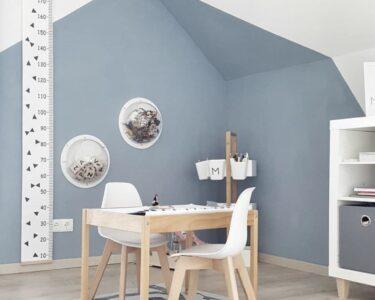 Wandgestaltung Kinderzimmer Jungen Wohnzimmer Pin Von Nina Geiger Auf Kinderzimmer In 2020 Babyzimmer Sofa Regal Regale Weiß