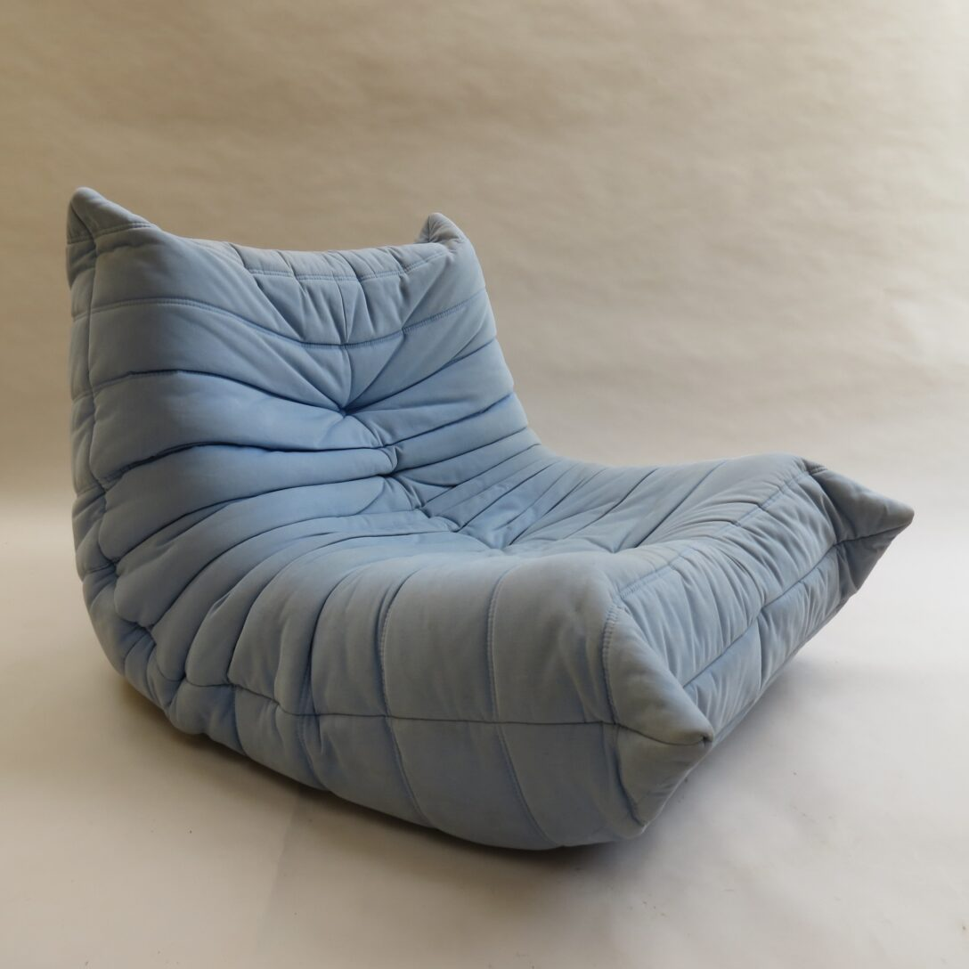 Large Size of Ligne Roset Togo Fireside Chair Uk Armchair In Dios Ecru Occasion Light Blue By Michel Ducaroy For 95189 Sofa Wohnzimmer Ligne Roset Togo