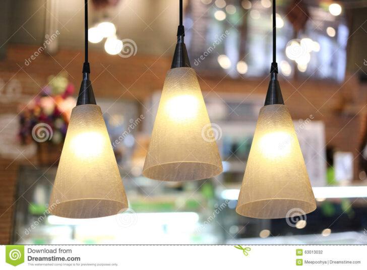 Medium Size of Warmen Beleuchtung Im Caf Stockfoto Sofa Wohnzimmer Für Duschen Landhausküche Bett Esstische Fürs 180x200 Wohnzimmer Moderne Deckenlampen