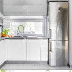 Weisse Landhausküche Weie Landhauskche Mit Fenster Stockbild Bild Von Hoch Grau Weisses Bett Weiß Gebraucht Wohnzimmer Weisse Landhausküche