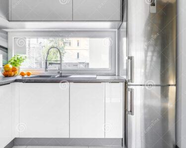 Weisse Landhausküche Wohnzimmer Weisse Landhausküche Weie Landhauskche Mit Fenster Stockbild Bild Von Hoch Grau Weisses Bett Weiß Gebraucht