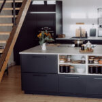 Offene Küche Ikea Kche Mit Freistehendem Kchenblock Beistellregal Holzbrett Einbauküche Selber Bauen Kaufen Günstig Servierwagen Inselküche Blende Wohnzimmer Offene Küche Ikea