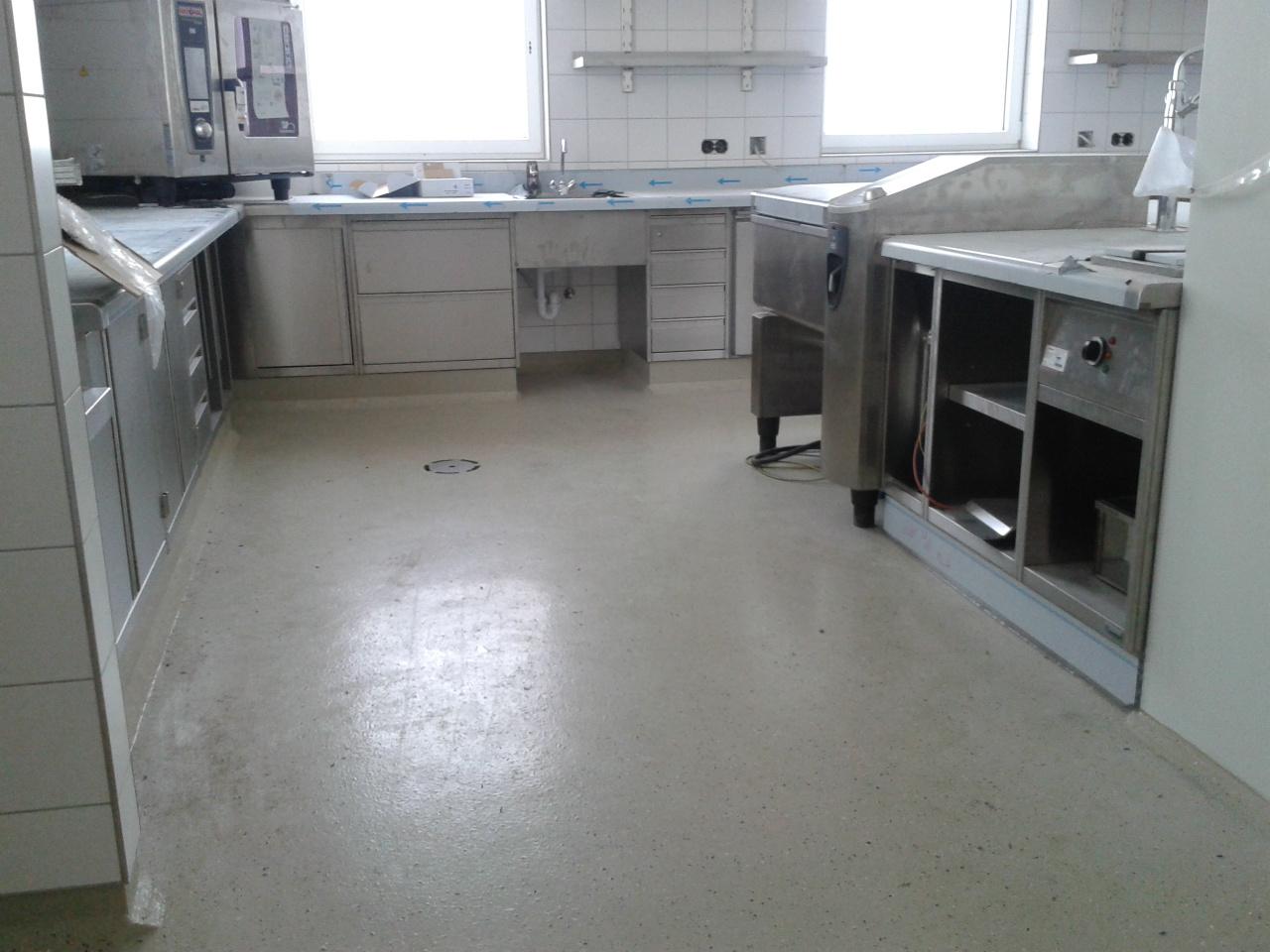 Full Size of Küche Boden Kchenboden Industriebodenat Klapptisch Erweitern Arbeitstisch Teppich Für Griffe Alno Bad Bodenfliesen Miniküche Mit Kühlschrank Aufbewahrung Wohnzimmer Küche Boden