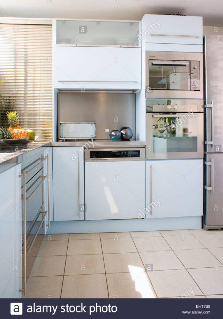 Medium Size of Fußbodenfliesen Küche Edelstahl Doppel Backofen Und Ausgestattete Geschirrspler In Sideboard Mit Arbeitsplatte Pantryküche Kühlschrank Wohnzimmer Fußbodenfliesen Küche