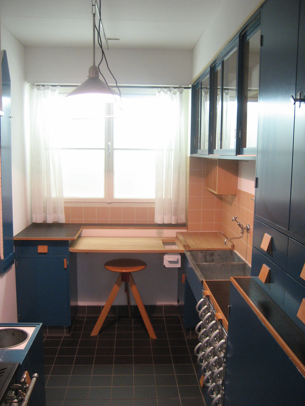 Full Size of Einbaukche Wikipedia Amerikanische Betten Outdoor Küche Kaufen Amerikanisches Bett Küchen Regal Wohnzimmer Amerikanische Outdoor Küchen