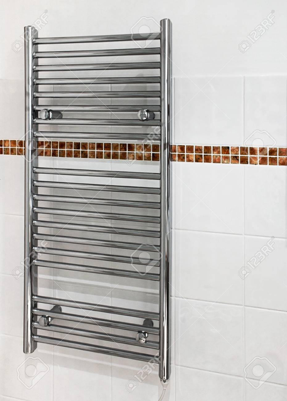Full Size of Chrome Beheizte Handtuchhalter Bad Heizkörper Wohnzimmer Küche Elektroheizkörper Für Wohnzimmer Handtuchhalter Heizkörper